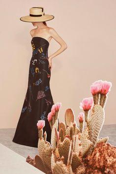Carolina Herrera  #VogueRussia #resort #springsummer2019 #CarolinaHerrera #VogueCollections