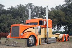 Kenneth Mack saved to Peterbilt - for use on grass highways only/emploi sur voie herbeuse uniquement/uso só em estrada ervosa Semi Trucks, Big Rig Trucks, Cool Trucks, Bagged Trucks, Peterbilt 379, Peterbilt Trucks, Custom Peterbilt, Custom Big Rigs, Custom Trucks