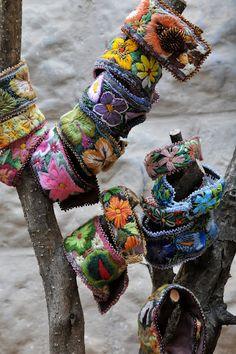 Idée de bracelets brodés