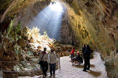TI PORTO VIA CON ME  Palazzi gentilizi, ma soprattutto grotte. #CastellanaGrotte cela nel suo sottosuolo il più importante...  #CosaVedereinPuglia #ViaggiareinPuglia