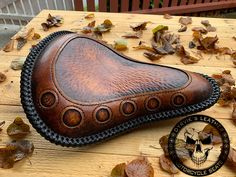 Motorcycle Seats, Bike Seat, Leather Carving, Leather Art, Harley Davidson Motorcycles, Custom Motorcycles, Bobber Style, Enfield Classic, Royal Enfield
