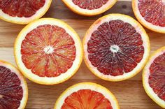 Difference between: oranges and blood oranges.