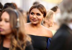 Pin for Later: Die besten Fotos der Oscars sind entstanden, wenn die Stars mal nicht gezwungen posieren Mindy Kaling