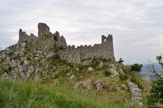 Italy - Roccasecca (Frosinone) - Ruins of the castle of St. Thomas Aquinas - Ruderi del Castello dei Conti di Aquino - Photo G. Garofoli (05-2010) - © All rights reserved - Tesori del Lazio
