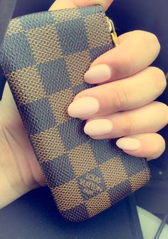 Almond Shape Nails #paleMattePink #LV #DamierEbene