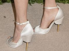 """Amanda Seyfried in White Textured-Leather Givenchy """"Matilda"""" Sandals"""