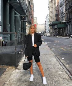 Josefine H. J street style outfit black blazer and bike shorts Looks Street Style, Looks Style, Looks Cool, Classy Street Style, Nyfw Street Style, Street Style Suit, Street Look, Street Outfit, Mode Outfits