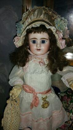 Antique Etienne Denaumur E D doll