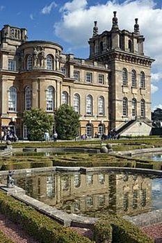 Blenheim Palace, Oxfordshire, England (117 pieces)