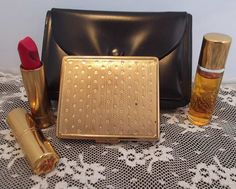 Elizabeth Arden Makeup Case Compact Victory Red by azsunshine51