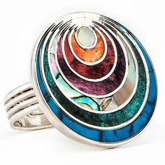 From Las Vegas: 13 New Round and Oval-Shape Jewels Enamel Jewelry, Metal Jewelry, Vintage Jewelry, Unusual Jewelry, Silver Brooch, Jewelry Photography, Handcrafted Jewelry, Jewelry Design, Jewelry Making