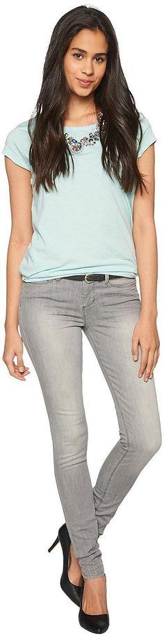 helle Skinny-Jeans für Frauen (unifarben, mit Knopf und Reißverschluss zu schließen) mit Stretch für eine optimale Passform, mit Bleaching-Effekten. Material: 98 % Baumwolle 2 % Elasthan...