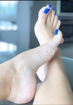 Beautiful Toes, Pretty Toes, Feet Soles, Women's Feet, Mens Nails, Feet Show, Blue Toes, Cute Toe Nails, Foot Pics