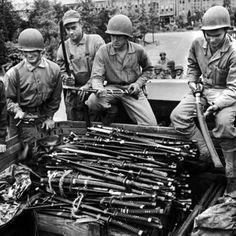 PARTS OF JAPANESE ARMY SHIN GUNTO | Published by J. Cabanellas en 13:56 No hay comentarios:
