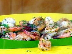 Get this all-star, easy-to-follow 4 Minute Spicy Garlic Shrimp recipe from Rachael Ray