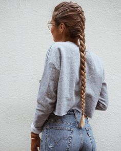 This post contains the most amazing braided hairstyles. These braids will make your hair looks fabulous, attractive and most of all charming Grow Long Hair, Braids For Long Hair, Hair Styles For Long Hair For School, Messy Hairstyles, Pretty Hairstyles, Glasses Hairstyles, Hairstyles 2018, Everyday Hairstyles, Protective Hairstyles