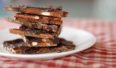 Pretzel Bark - OMG perfect for cleaning & refreshing the snack/bakers cupboard :)