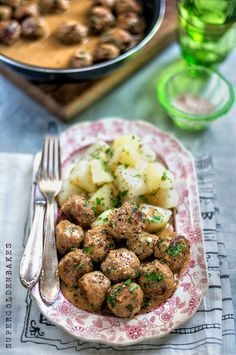 Swedish meatballs with creamy  gravy – the best family comfort food possibly ever!