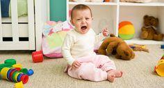Bebês podem receber broncas? Não, neste momento eles precisam ser mantidos em um ambiente seguro, acolhedor e estimulante para que possam crescer saudáveis e aprender a ter bons modos no futuro.