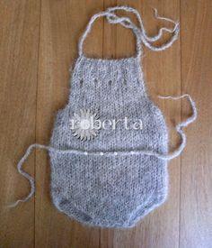 Handmade Newborn photography romper wool accessori di RobertaKnits