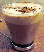 Receita de Bebida Quente de Chocolate  com Café - http://www.receitasja.com/receita-de-bebida-quente-de-chocolate-com-cafe/