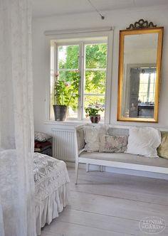L U N D A G Å R D | inredning, familjeliv, byggnadsvård, lantliv, vintage, färg & form: Hemma hos...