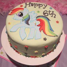 My Little Pony Cake Birthday Stuff, Girl Birthday, Birthday Ideas, Birthday Cake, My Little Pony Cake, My Little Pony Birthday, Kid Parties, 3rd Birthday Parties, Rainbow Dash Cake