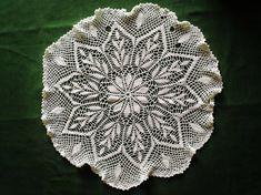 Large Crochet Doily / Tabletopper / Centrino all'uncinetto / Bianco/ White / Fatto a mano / Handmade Crocheted Doily