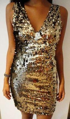 Peça com 50% de desconto na nossa online store http://daysalvadori.tanlup.com/product/613815/vestido-paete-dourado