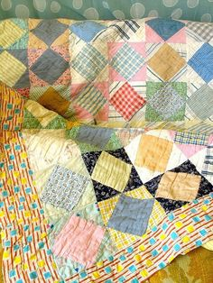 Vintage Patchwork Quilt Pastel Patina by ohthisnose Old Quilts, Antique Quilts, Scrappy Quilts, Vintage Quilts, Vintage Fabrics, Quilting Projects, Quilting Designs, Sewing Projects, Quilt Baby