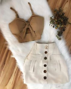 Pin by KeilaSaray on Women's fashion in 2019 Teen Fashion Outfits, Mode Outfits, Girly Outfits, Cute Fashion, Chic Outfits, Pretty Outfits, Trendy Fashion, Fashion Dresses, Summer Outfits