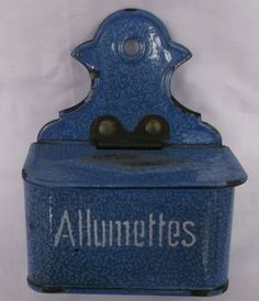 BOITE ALLUMETTES EMAILLEE ANCIENNE BLEUE avec PYROGENE
