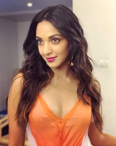 These sexy Kiara Advani boobs pictures will bring a big grin on your face. We have seen Kiara Advani boobs […] Indian Celebrities, Bollywood Celebrities, Beautiful Celebrities, Beautiful Actresses, Bollywood Girls, Bollywood Actress Hot, Beautiful Bollywood Actress, Beautiful Girl Indian, Most Beautiful Indian Actress
