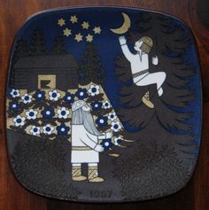 Arabia of Finland Kalevala 1987 Plate. Collectible Annual Kalevala Legend Series Designed by Raija Uosikkinen. Made in Finland. Nordic Home, Christmas Plates, Plate Design, Vintage Dishes, Painted Doors, Plates On Wall, Scandinavian Design, Home Deco, Finland