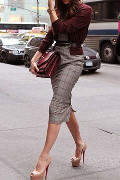 tresorsdeluxe Pencil skirt & accessories ala Tresors De Luxe www.tresordeluxe.wordpress.comcom