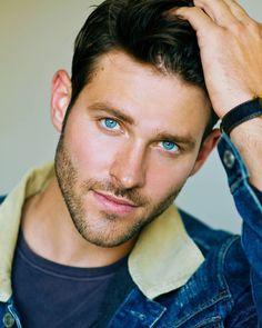 Beautiful Men Faces, Gorgeous Eyes, Most Beautiful Man, Face Men, Male Face, Blue Eyed Men, Beard Look, Cool Hairstyles For Men, Beard Styles For Men