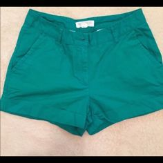 "Forever 21 Green Shorts 💚Forever 21 shorts. Green and 100% cotton. Size small, can be bundled with red shorts. Measures 26"" all around.🚫 no trade Forever 21 Shorts"