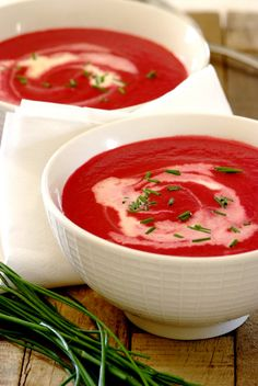 Easy Beetroot A delicious and nutritious recipe that is so easy to make – simply simmer and then blend. Beet Recipes, Soup Recipes, Beetroot Soup, Organic Recipes, Ethnic Recipes, Hot Soup, Nutritious Meals, Vegetarian, Yummy Food