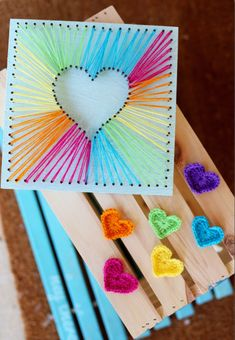 DIY Mothers Day Gift Ideas - Heart String Art - Homemade Gifts for Moms - Crafts. DIY Mothers Day Gift Ideas - Heart String Art - Homemade Gifts for Moms - Crafts. Diy Mother's Day Crafts, Diy And Crafts Sewing, Bee Crafts, Mother's Day Diy, Crafts For Teens, Yarn Crafts, Craft Projects, Crafts For Kids, Paper Crafts