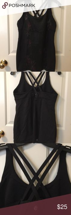 Lululemon tank with built in bra size 12 Gently used lululemon tank with built in bra size 12 lululemon athletica Tops Tank Tops
