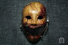 Bleeding horror mask with pseudo mechanism - satin finish