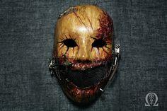 Bleeding horror mask with pseudo mechanism - satin finish
