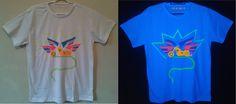 Camisa pintada a mão, com estampas exclusivas fluor by Carol Soares./ Shirt painted by hand, with fluor exclusive prints by Carol Soares  #shirt #camisa #fluor #handmade #feitoamão #chopper #artepravestir