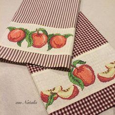 """Кухня ручной работы. Кухонное полотенце с вышивкой """"""""Вкус спелых яблок -2"""". ot Natalis. Ярмарка Мастеров. Полотенца из хлопка"""