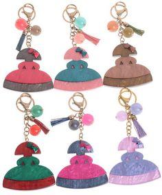 Llaveros de meninas de resinas en colores varios originales y únicos en  www.sonatachic.com #etnico #pulseras #cool #ethinc #sonata #chic #bisuteria #snt #moda #fashion #tendencia #collares #gargantillas #anillos #outfits #complementos #cubrebotas #joyas #broches #tobilleras  #bolsas #expositores #llaveros #accesorios #pelo #gemelos #metal #colgante #cristal