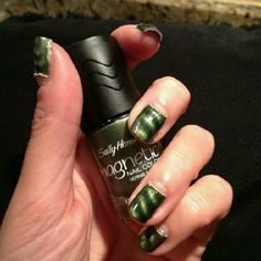 Sally Hansen Magnetic nail polish with gold beads