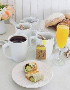 Desayuno mexicano: Café de olla y burritos