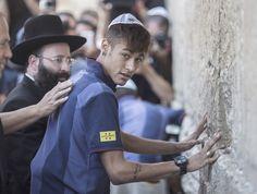 neymar barcelona muro das lamentações israel (Foto: EFE)