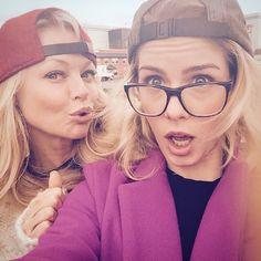 Emily Bett Rickards and Charlotte Ross- Mama Smoak is back! #Arrow