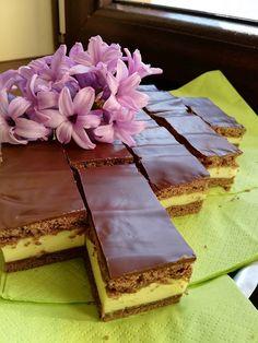 Tejfölös süti, sokszor elkészítem, mert ez egyszerűen fenséges! Sweet Desserts, Tiramisu, Food And Drink, Cookies, Baking, Drinks, Cake, Ethnic Recipes, Zen